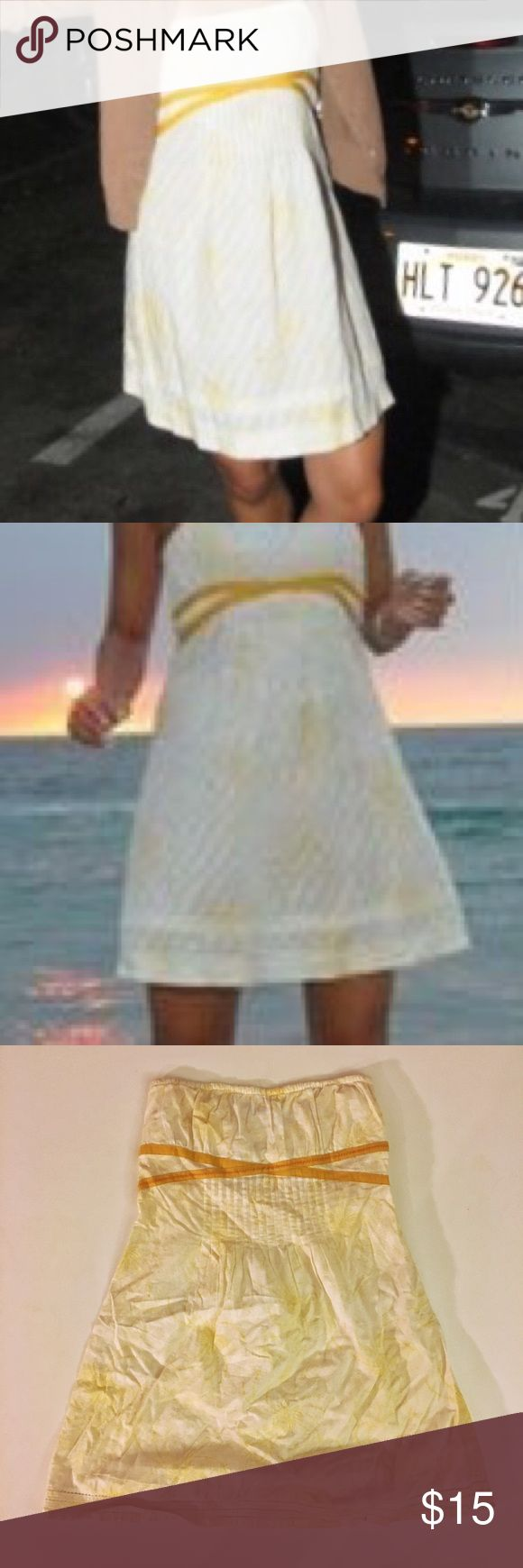 Free People White & Light Yellow Cotton Sundress Free People White & Light Yellow Cotton Sundress - Size 0 - 100% cotton - in great condition Free People Dresses Strapless