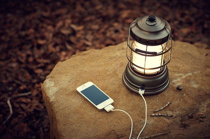 キャンプの必需品、ランタン! 中でも最近、人気なのがLEDランタンです。誰でも簡単に使えて、明るさもメインとして使うのに十分。LEDになって電球も長持ちするうえに、消費電力も少なくて済み、長時間の連続使用も可能。今回は、LEDランタンのおすすめ機種を厳選して比較してみましょう!