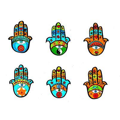 """Estas manos son protagonistas de un sueño que tuve hace tiempo. Al ascender por una montaña llena de vegetación, en la cima me acerqué a un grupo de monjes reunidos en las afueras de un templo. Ellos me invitaron a conocer su mayor secreto: un muro enteramente pintado con estas manos, que yo conocía por libros y reproducciones artesanales. Ellos dijeron que son símbolos importantes. """"Este es el secreto… son códigos… los entenderás…"""", me dijeron. #sueños #meditacion #busqueda"""