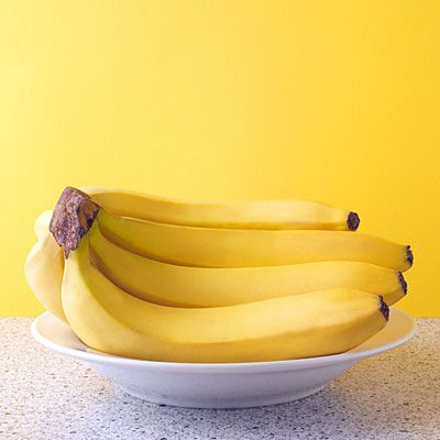 """Best and Worst Foods for Sleep    Bananas help promote sleep because they contain the natural muscle-relaxants magnesium and potassium, says Gans. They're also carbs which will help make you sleepy as well.    In fact, bananas are a win-win situation in general. """"They're overall health promoters,"""" says Rosenberg. """"We need potassium for cardiovascular health and cognitive functioning."""""""