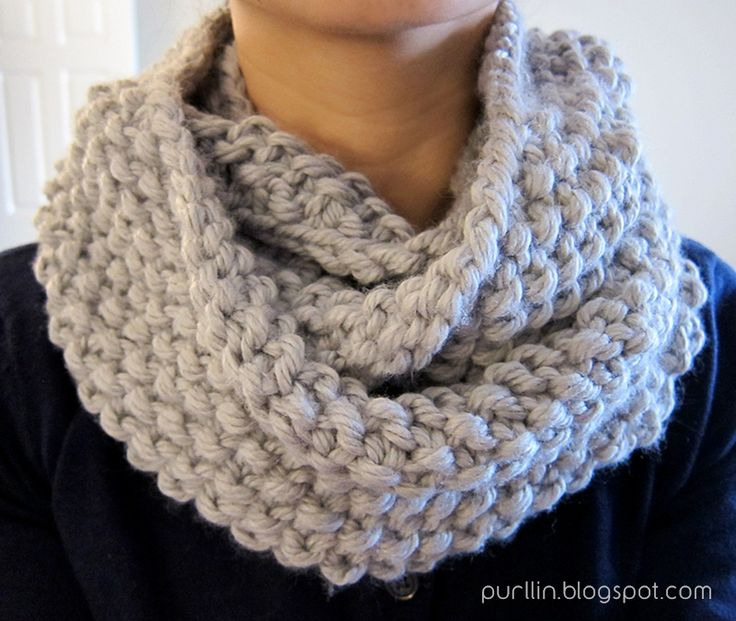 Purllin: December Seed Stitch Infinity Circle Scarf [ free knitting pattern ] (In the round)
