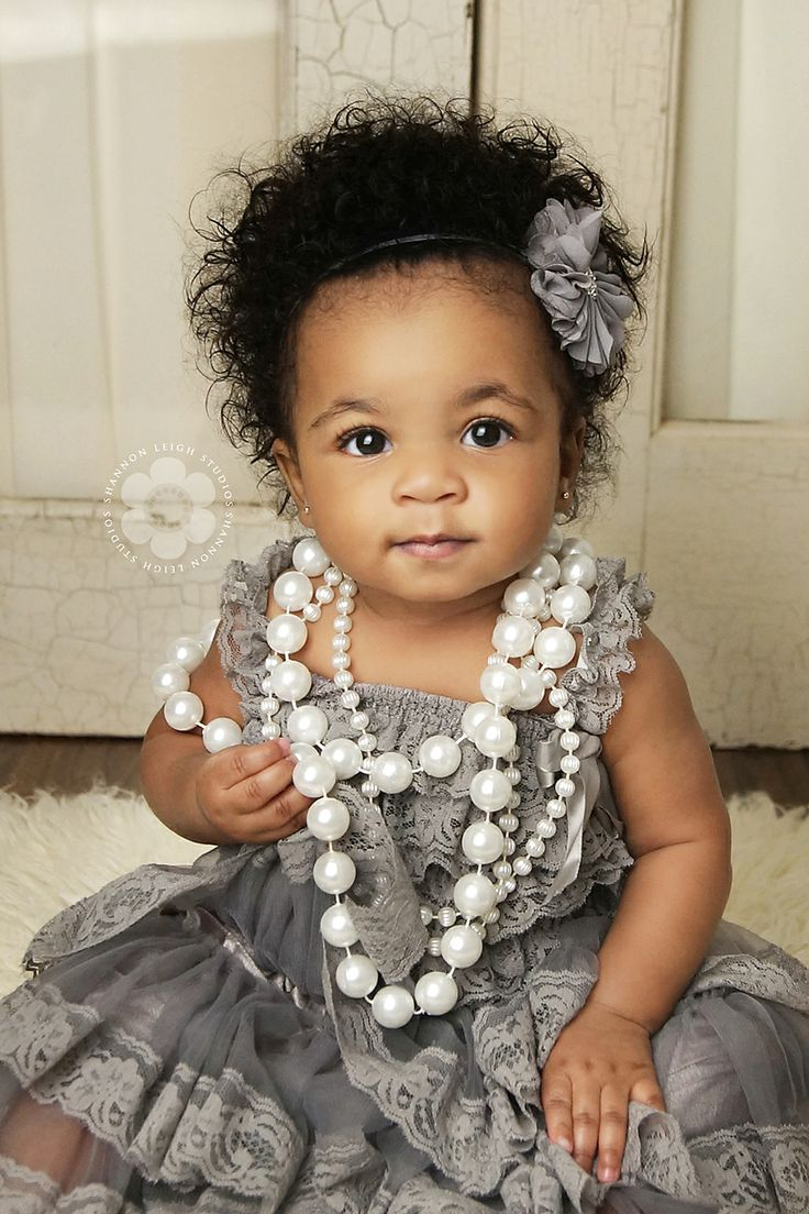 Beautiful Child  www.shannonleighstudios.com #shannonleighstudios #georgiachildphotographer #vintagepearls #asweetsweetboutique