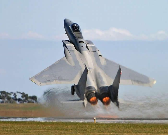F 15 Eagle Short Takeoff In Afterburner F15eagleshort Look Up