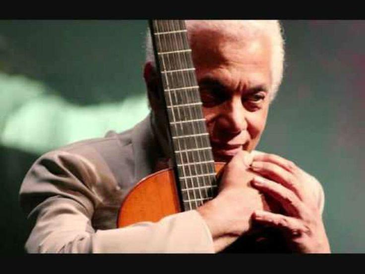 A composição que emplacou a entrada definitiva de Paulinho da Viola na história da Portela, sua escola de coração, está ligada a uma canção em homenagem a rival da agremiação, a Mangueira.