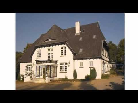 Hotel Waldesruh Am See - Aumühle - Visit http://germanhotelstv.com/waldesruh-am-see Dating from 1737 this historic hotel in Aumühle is set near the pretty Mühlenteich lake and Sachsenwald forest just a 20-minute city rail ride from Hamburg. -http://youtu.be/7GvOIMdAKcg