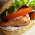 Foto recept: Sandwich met gegrilde zalm en dille-citroenmayonaise