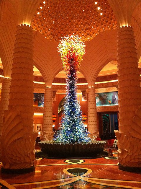 Chihuly glass sculpture at Atlantis Hotel in Dubai ...