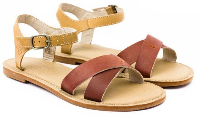 Сандалии – это повседневная летняя обувь. Поэтому босоножки на низком ходу должны быть не только красивыми, но и очень удобными.