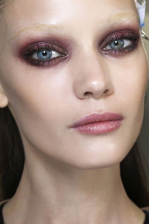 gucci-backstage-beauty-fall-2013