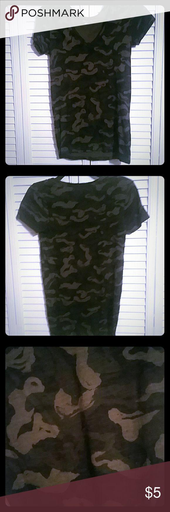 Camo Tee Shirt Merona Camo Print V neck tee shirt Tops Tees - Short Sleeve