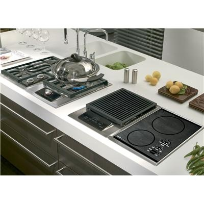 Integrated Modules by Wolf - Combine modules a la carte-style to create a truly custom cooktop. Turn any countertop into a cooking area. Even add specialty functions alongside an existing cooktop or range. With their low-profile grates, dual-stacked, sealed burners, deep spill pans, and illuminated controls, modules integrate perfectly, with their larger counterparts and deliver equal performance.