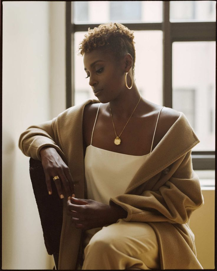 womenofwildwildwestafrica:     divalocity:        ✿Actress Issa Rae for NY Magazine/The Cut✿        Photography by Andre Wagner         SENEGALESE