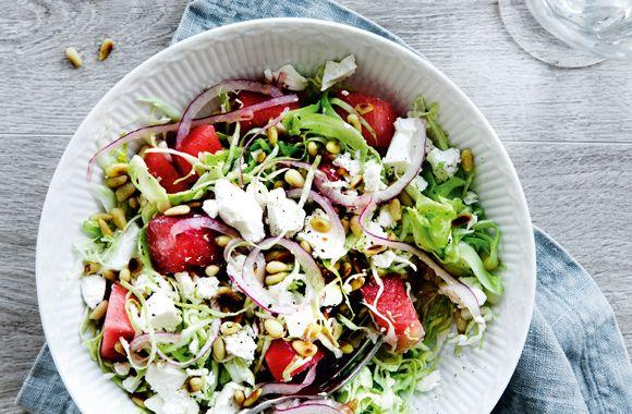 Salat med spidskål, vandmelon og feta