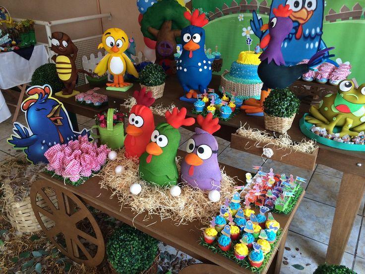 A turma da Galinha Pintadinha em decoração clean provençal e rústica! Personalize a sua festa deixando-a muito mais divertida! Reserve Já!