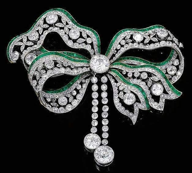 Emerald and diamond Bow Brooch - circa 1900 nfs