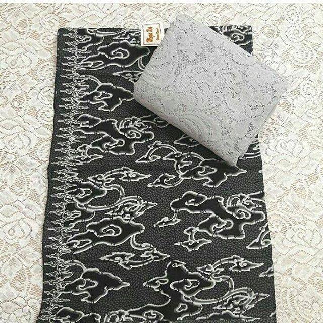 . SET KATUN 115rb . ��kain asli dr Bali Murah Meriah SATU SET 115rb ��SATU SET : brukat sofia (1.4×1.5m) + kain katun (2×1.1m) . ��BRUKAT SOFIA : tebal, strait, tidak kasar ��KATUN : batik, bahan adem, tebal, lembut, bisa untuk kemeja, rok, dress, sragam dll . ��motif brukat tergantung stok yg tersedia, warna tetap sama ��bisa beli terpisah BRUKAT 40rb/m,  KATUN 75rb (2×1.1m) ��grosir/reseller lebih murah lagi �� . ��order/tanya2 Wa : 085708688222 Bbm : 7B4EC2F6 Line : novava_sari…