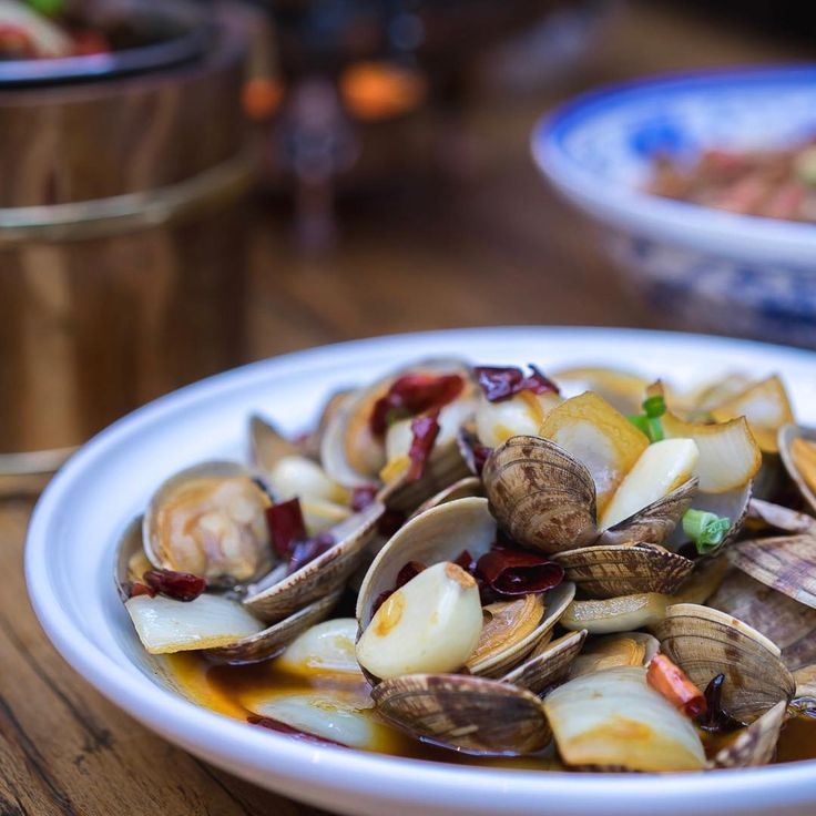 A very clear shot of our signature pipis by @_lets_go_eat_   Are you a fan of spicy food?   @pappas_stew is a newly opened Hunan cuisine restaurant which serves mainly  dishes! Although I can't really take spice  my favourite would need to be the stir fried pipis w mustard
