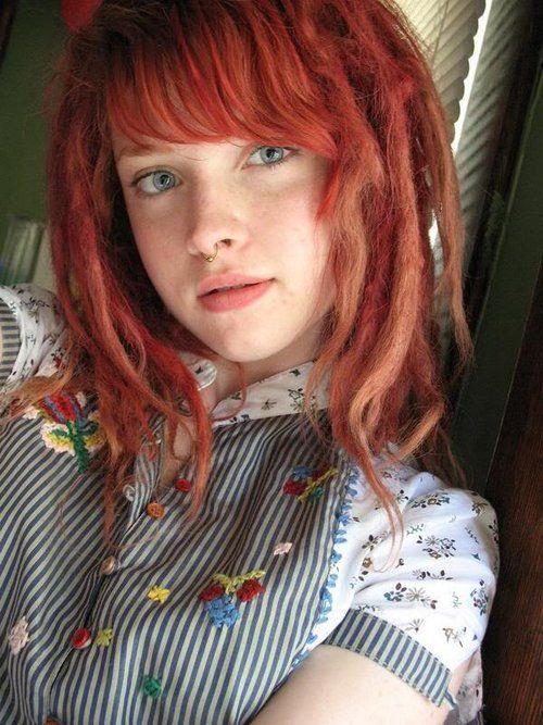 h306p:    fuckyeahdreadlocks:    neutralmilkinn:  oooh and i like pretty girls with dreads    (via nakedbearladies)