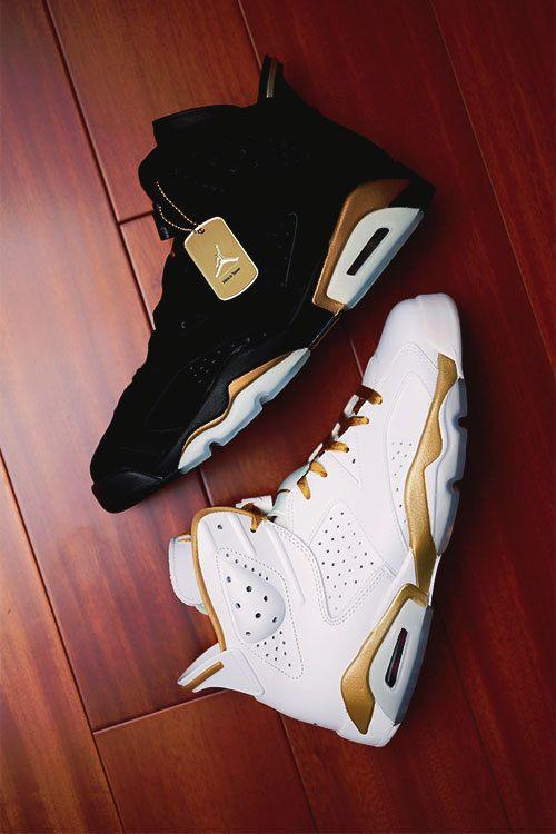JORDAN | Air Jordan 7 Black & Gold v White & Gold.