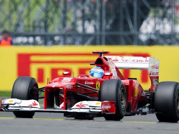 Fernando Alonso em ação no GP da Inglaterra  Foto: AP