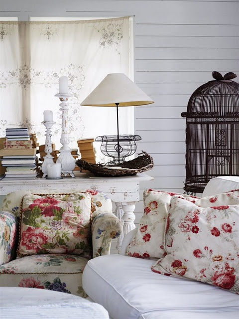 """Sweet......this would match my bedding, I would love to have a sitting area in my """"master"""" bedroom with this set up"""