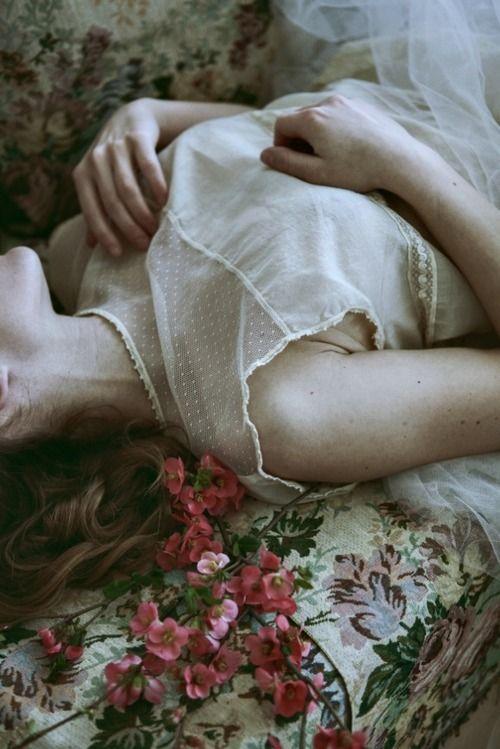 """Khalil Gibran ha scritto: """"Le anime più forti sono quelle temprate dalla sofferenza. I caratteri più solidi sono cosparsi di cicatrici"""