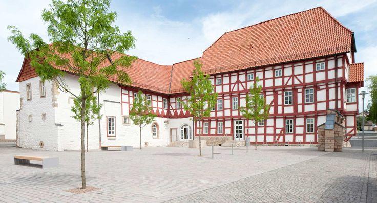 http://www.landezine.com/index.php/2013/01/friedensplatz-and-rossmarkt-worbis-by-f-landschaftsarchitektur-gmbh/