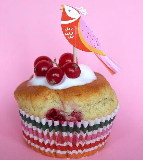 Hier word je toch blij van? Deze vrolijke rode bessen muffins. - met Zonnigfruit