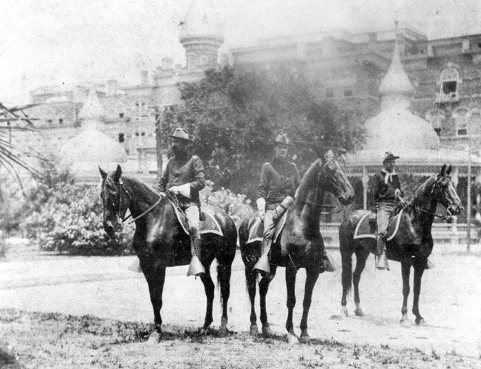 spanish american war bay of pigs What were the effects of the cold war on the  their plan was to move inland from the bay of pigs,  the american-spanish war happened to affect cuba and .
