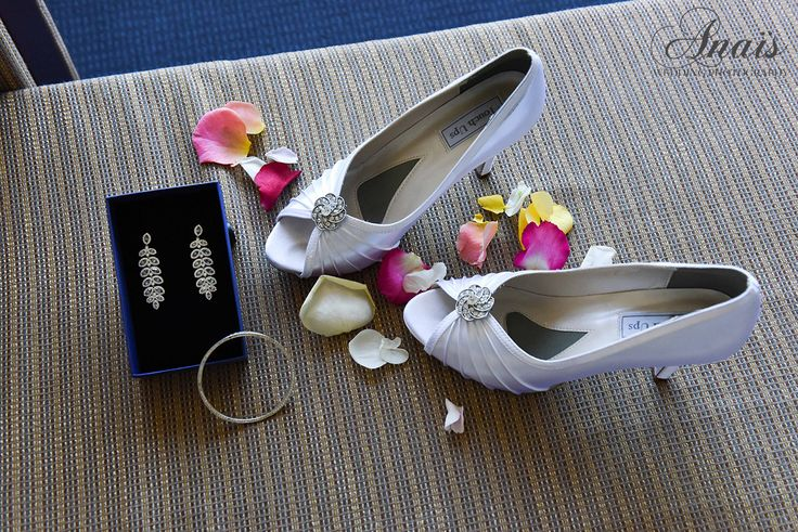 A composition with the bride's accessories | Janet & Matt | Wedding photographer