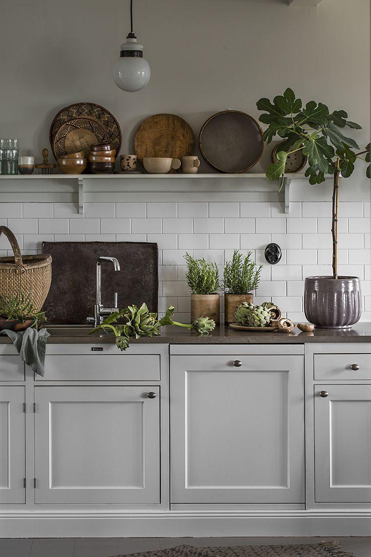 white kitchen with subway tile