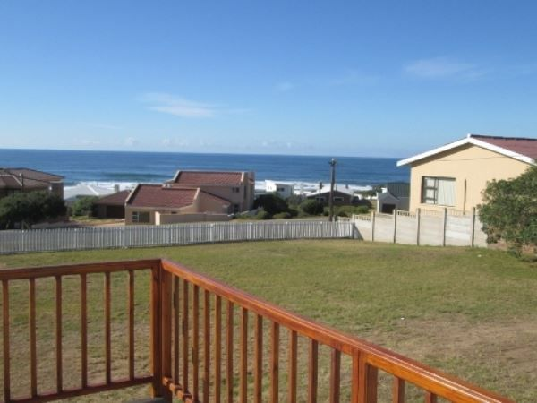 Grysbok - Grysbok offers comfortable self-catering accommodation in a spacious house sleeping eight people. This perfectly situated house has lovely sea views and is within walking distance of the sea.  The fully ... #weekendgetaways #stilbaai #southafrica