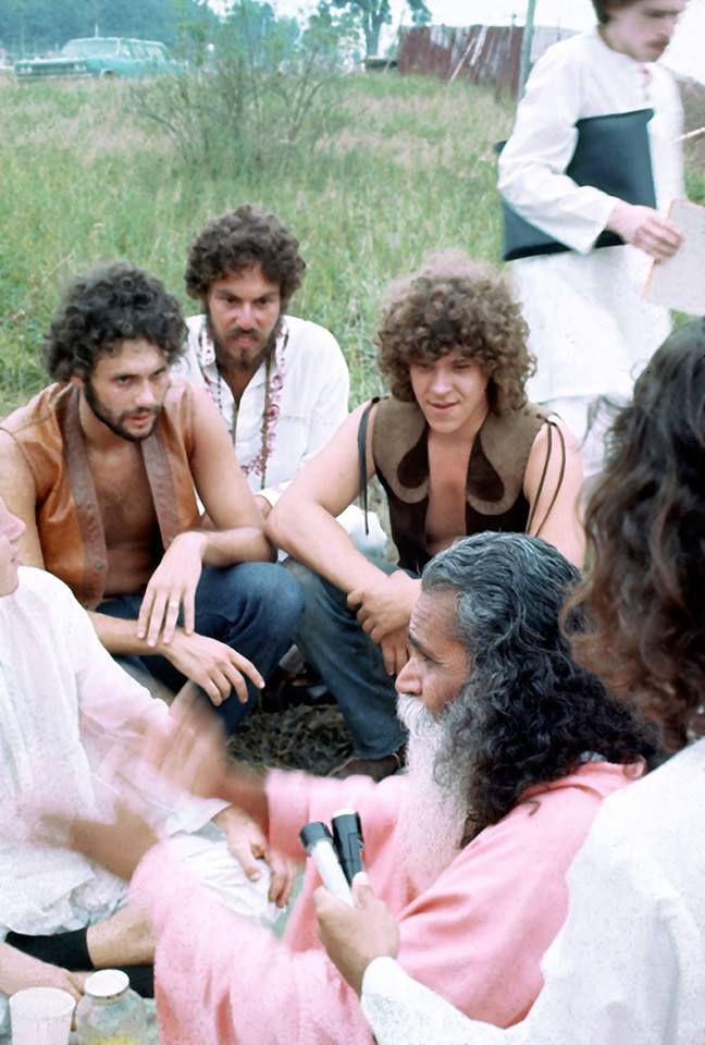 Swami Satchidananda and the Woodstock Concert organizers