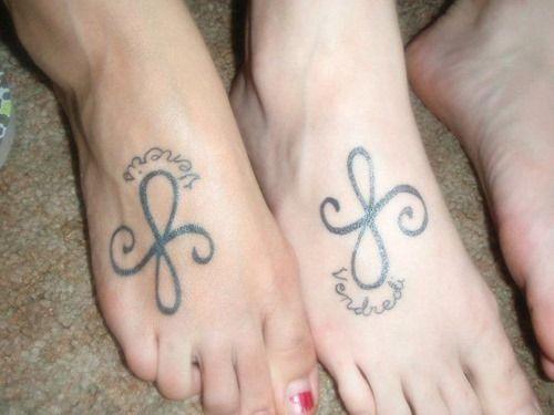 die besten 25 passende freundschafts tattoos ideen auf pinterest bester freund tattoos. Black Bedroom Furniture Sets. Home Design Ideas