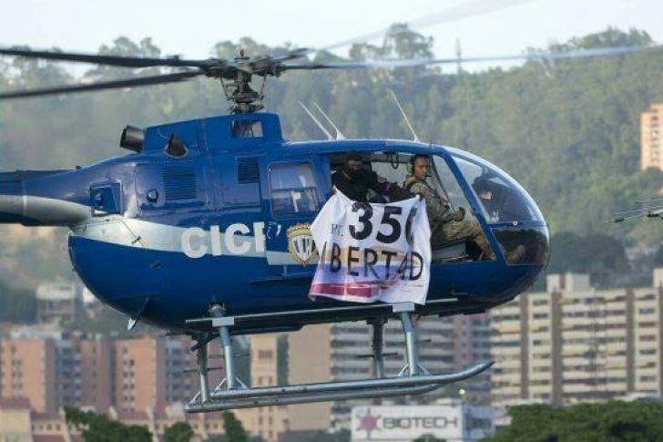"""<p>Un inspector de la policía científica de Venezuela, identificado como Oscar Pérez, sobrevoló, este martes, la sede del Supremo en Caracas en un helicóptero de este cuerpo de seguridad con un mensaje por la """"libertad"""" del país y más tarde pidió a través de un vídeo la renuncia del presidente, Nicolás Maduro.</p>"""