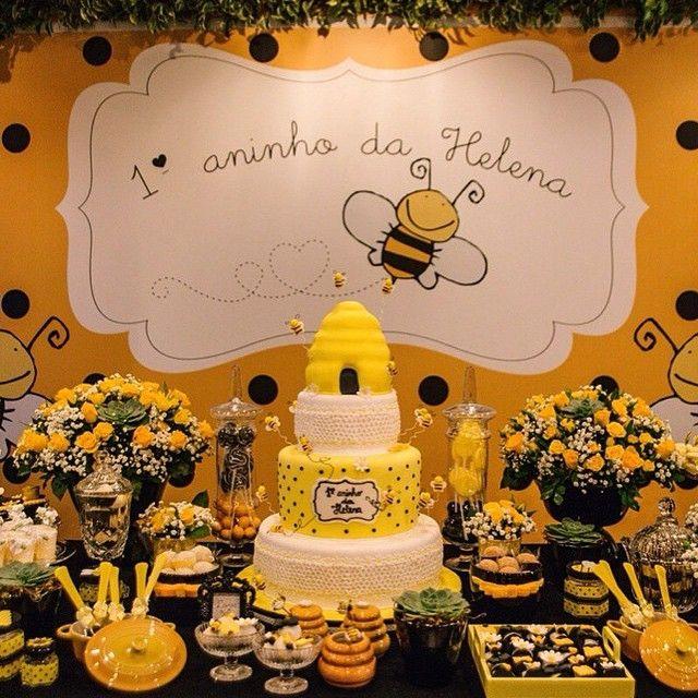 Festa Abelhinha por @xuxapires , regram @petitlamour #festasinfantispelomundo
