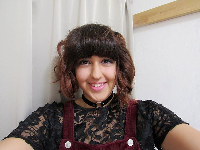 I do wish my hair would behave like this more often #wish #hair #shorthair #fringe #bangs #hairstyles #brunette #curlyhair #cute #pretty #selfie #selfienation #selfies #instaselfie #happy #smile #love #loveit #awesome #amazing #red #outfit #throwback #tb #japan #okayama