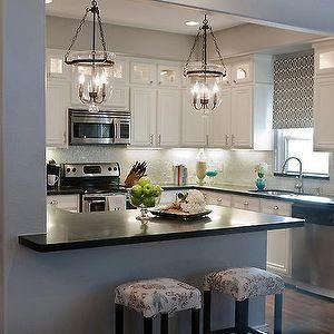 Las cocinas abiertas al salon entregan una sensación de mayor amplitud dada la fusión de estos dos ambientes. En este artículo te enseñamos las más lindas.