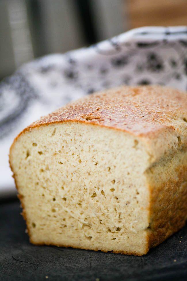 Frukostfrallorna går utmärkt att göra som formfranska! Bullarna blir lite luftigare än brödet men det blir ett perfekt bröd för rosten! 24 skivor (á132 kcal, 4 gram protein, 2 gram kolhydrater, 12 gram fett) 4 dl mandelmjöl 4 dl pofiber 4 msk fiberhusk 3 tsk bakpulver 2 tsk salt 6 ägg 125 gram smör 5 […]