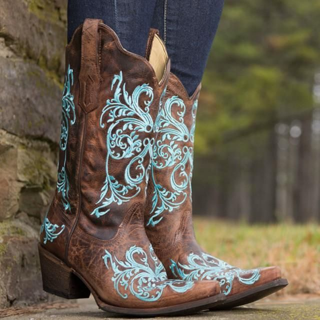 Dahlia Cowgirl Boots by Corral :http://www.countryoutfitter.com/products/36469-womens-brown-turquoise-dhalia-boot-r1193/?lhb=style