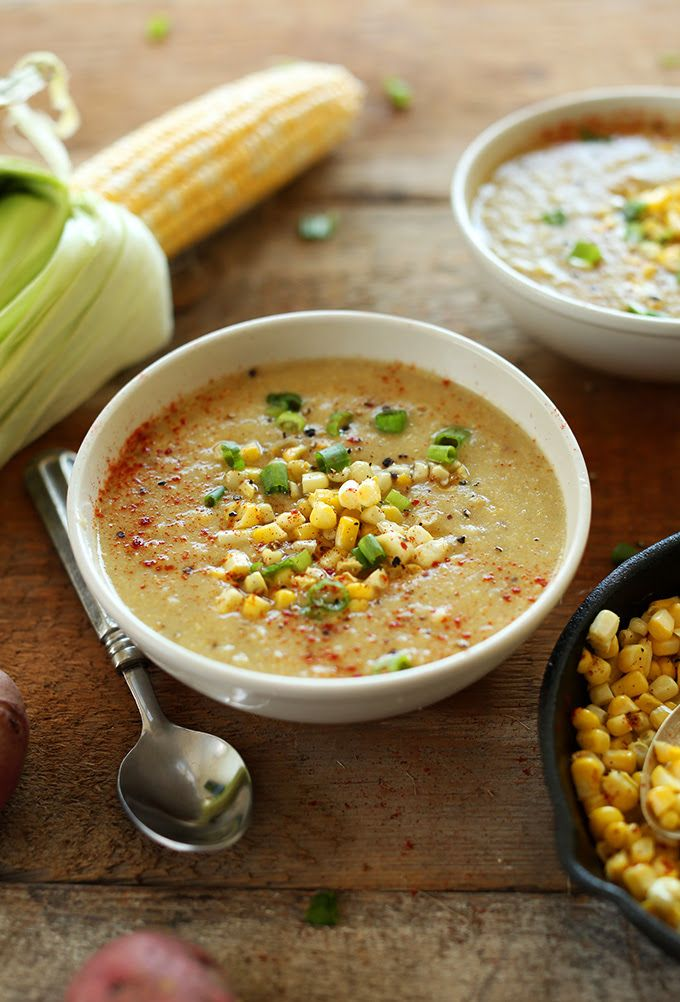 Simple Summer Corn SOUP! Loaded with veggies, 9 ingredients and #vegan and #glutenfree | MinimalistBaker.com