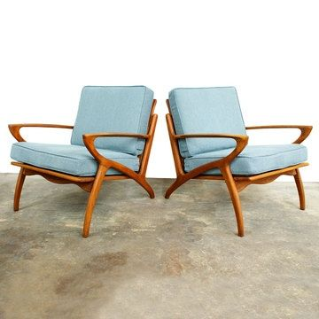 Pair of retro modern guest chairs for Sprague. Though it may be better to them without arms.