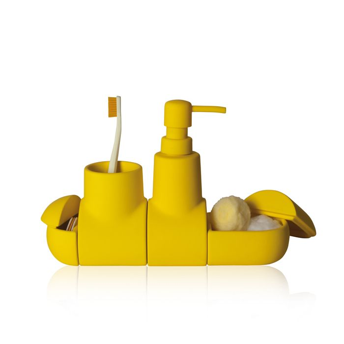 How adorable is this bathroom set for kids? I'm thinking about the yellow one for Amelia's new bathroom.