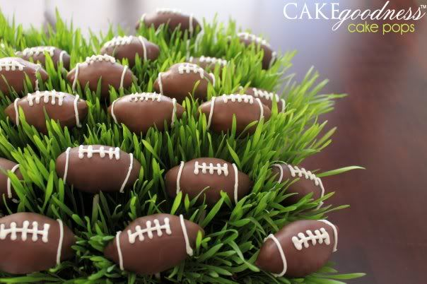 Cake Pops!  Perfect for football and Superbowl parties...Football Treats, Football Cake Pop, Football Cakes, Superbowl Cake, Football Cakepops, Super Bowls, Football Parties, Superbowl Parties, Football Wedding
