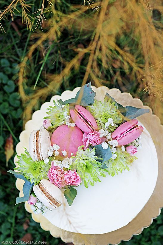 Walnut Cake with Patisserie Cream Filling / Ořechový dort s vanilkovým krémem patisserie | Na vidličku food blog