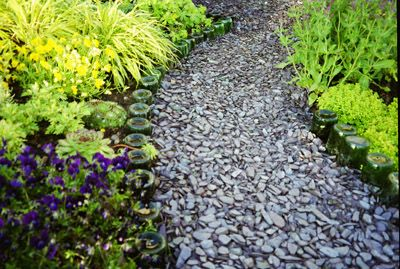 Crushed Slate Chips (Chippings) - Blue / Grey - Large - Pallet Delivery - Landscape Centre - Specialist Aggregates Ltd