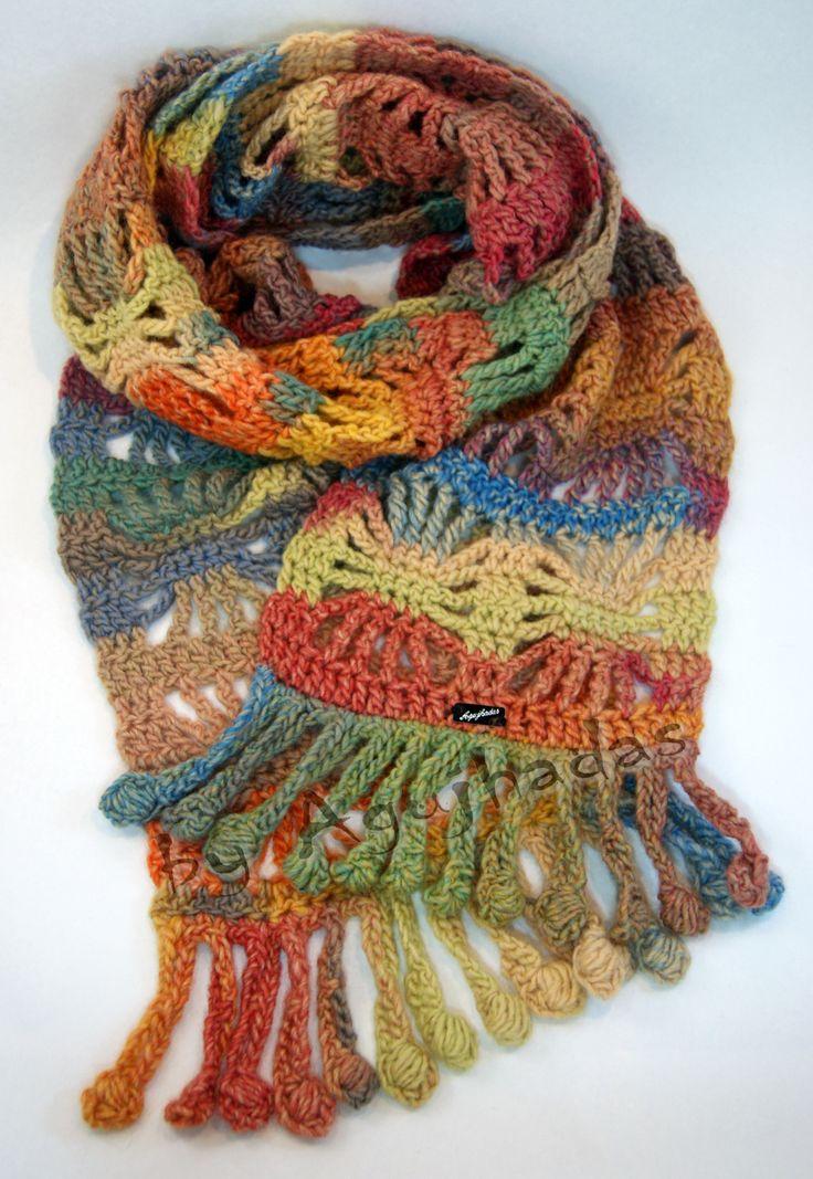 Cuadrado Arcoiris woolen scarf // Bufanda de lana Cuadrado Arcoiris. Price: 34,95€. Features: 50% wool, machine washable //Características: 50% lana, lavable a máquina. We have a wide range of colors // Disponemos de una amplia gama de colores. agujhadas@gmail.com