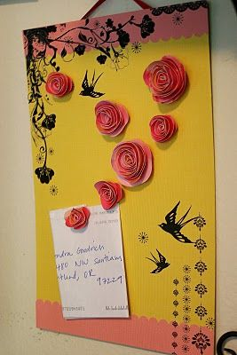 adorable magnetic board: Magnets Memo, Adorable Magnets, Boards Diy, Magnets Boards, Homemade Flowers, Paper Flowers, Neat Ideas, Memo Boards, Flowers Magnets