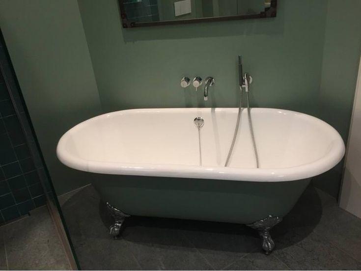 die besten 25 freistehende badewanne ideen auf pinterest badezimmer umgestaltung badewanne. Black Bedroom Furniture Sets. Home Design Ideas