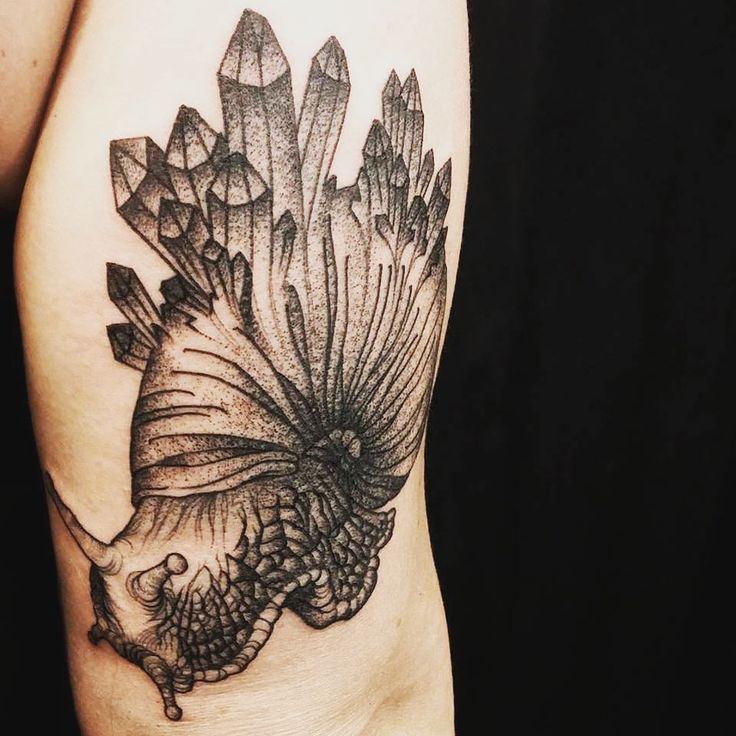 1000 images about tattoo on pinterest peonies peonies for Pierced hearts tattoo parlor